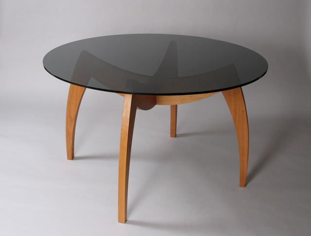 Stunning Round Glass Top Dining Table 640 x 486 · 41 kB · jpeg